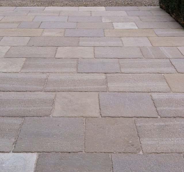 Pavimentazione in Pietra di Spagna