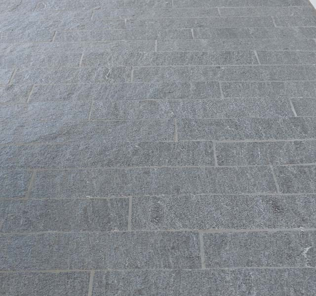 Pavimentazione in Gneis Calanca