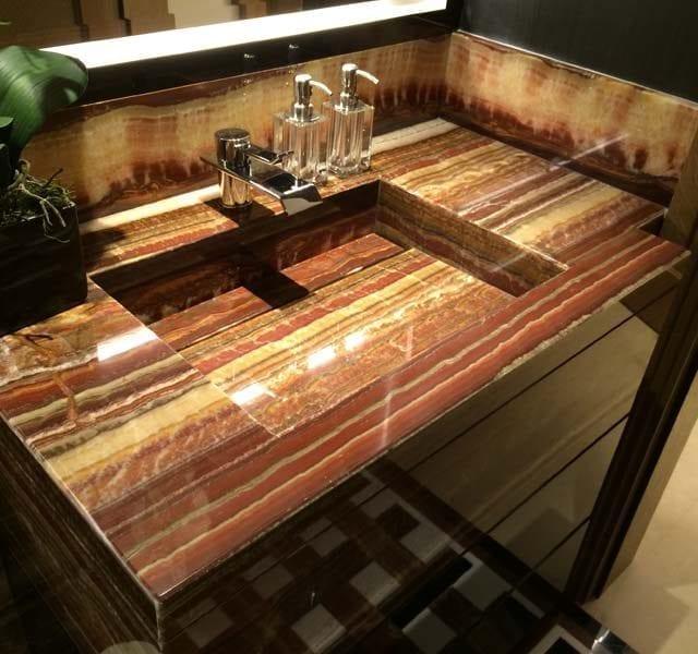 Top bagno assemblato in Onice Fantastico