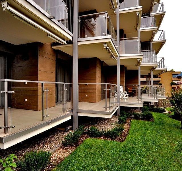 Facciata ventilata e pavimento terrazze in gres porcellanato