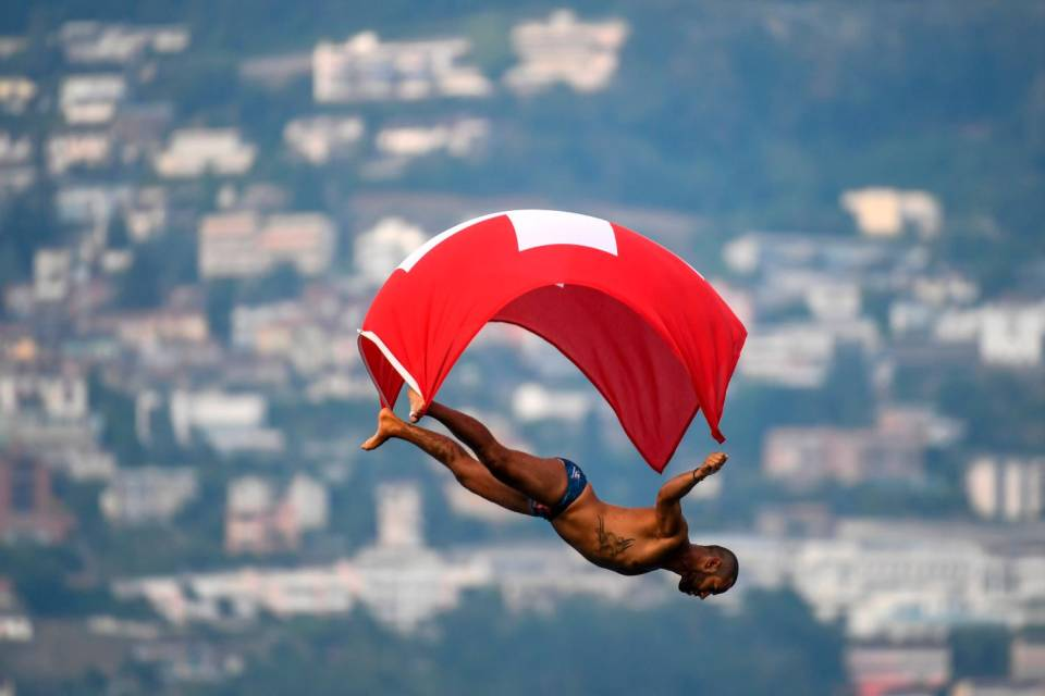 Lugano-Cliff-Diving.jpg