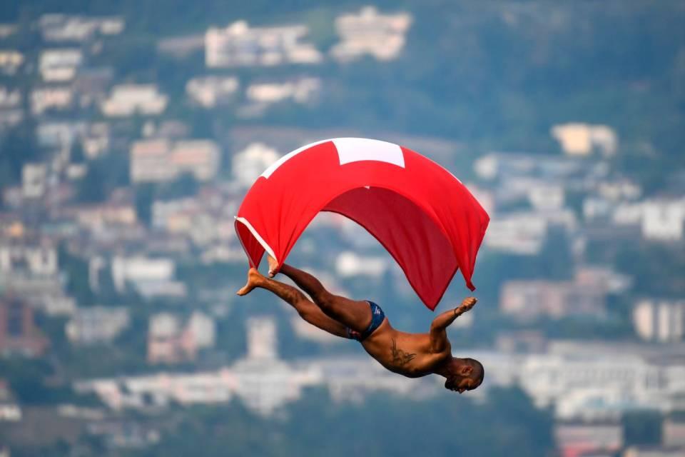 Lugano-Cliff-Diving.jpg